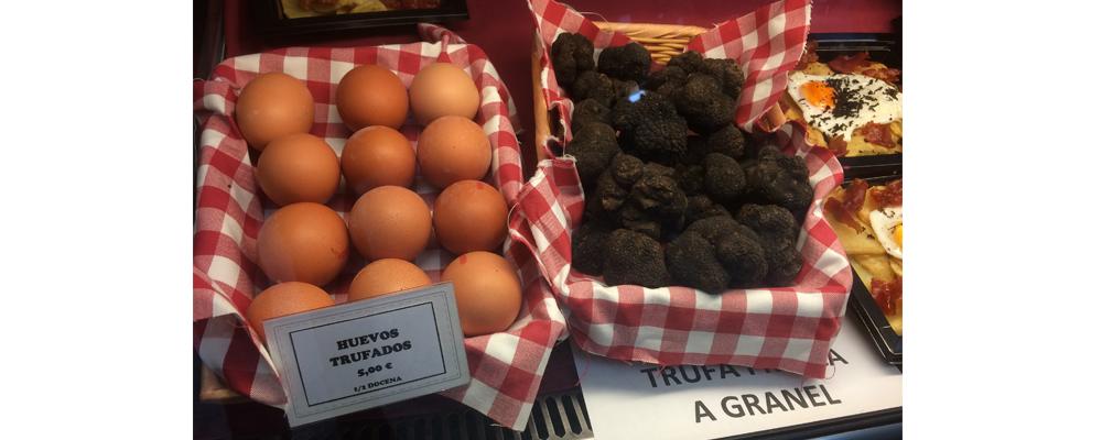 huevos trufados y trufa