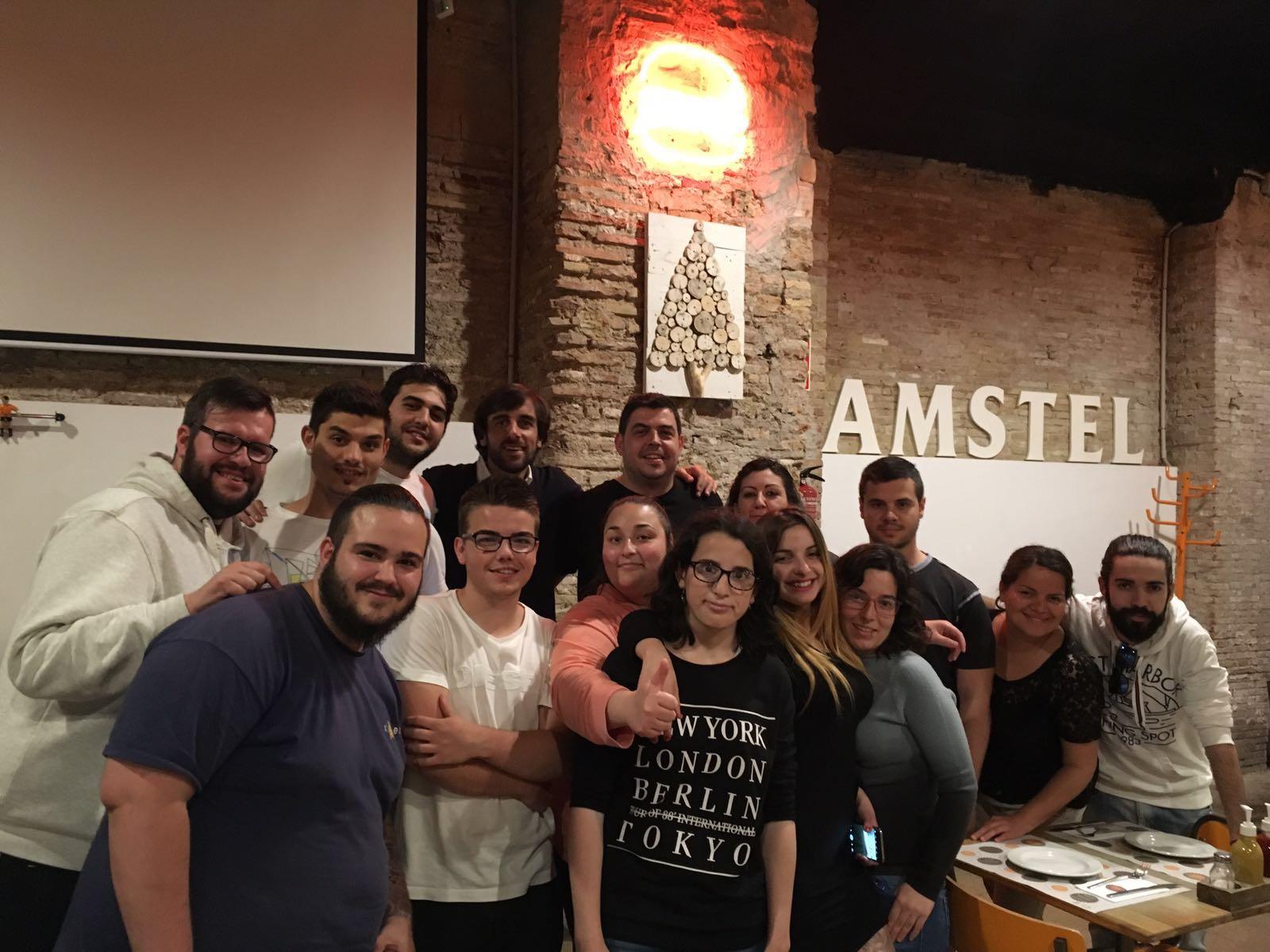 Visita de los jóvenes de Cámara Valencia a Mediterránea de Hamburguesas