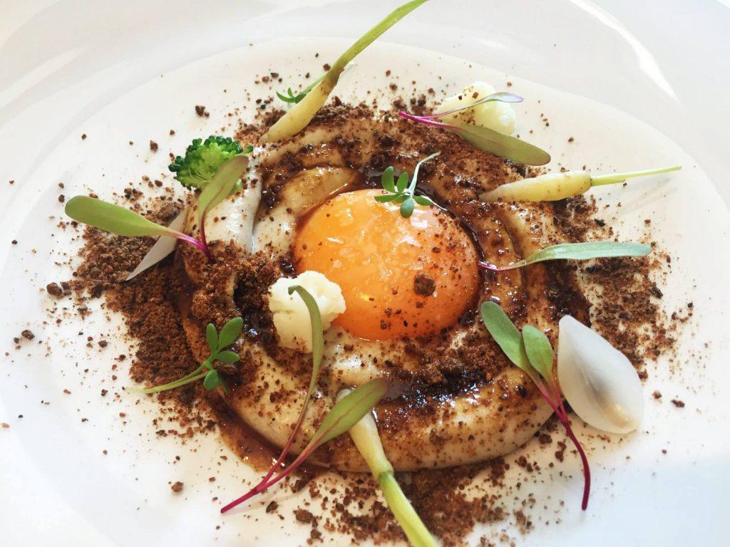 restaurante-lienzo-huevo-trufado