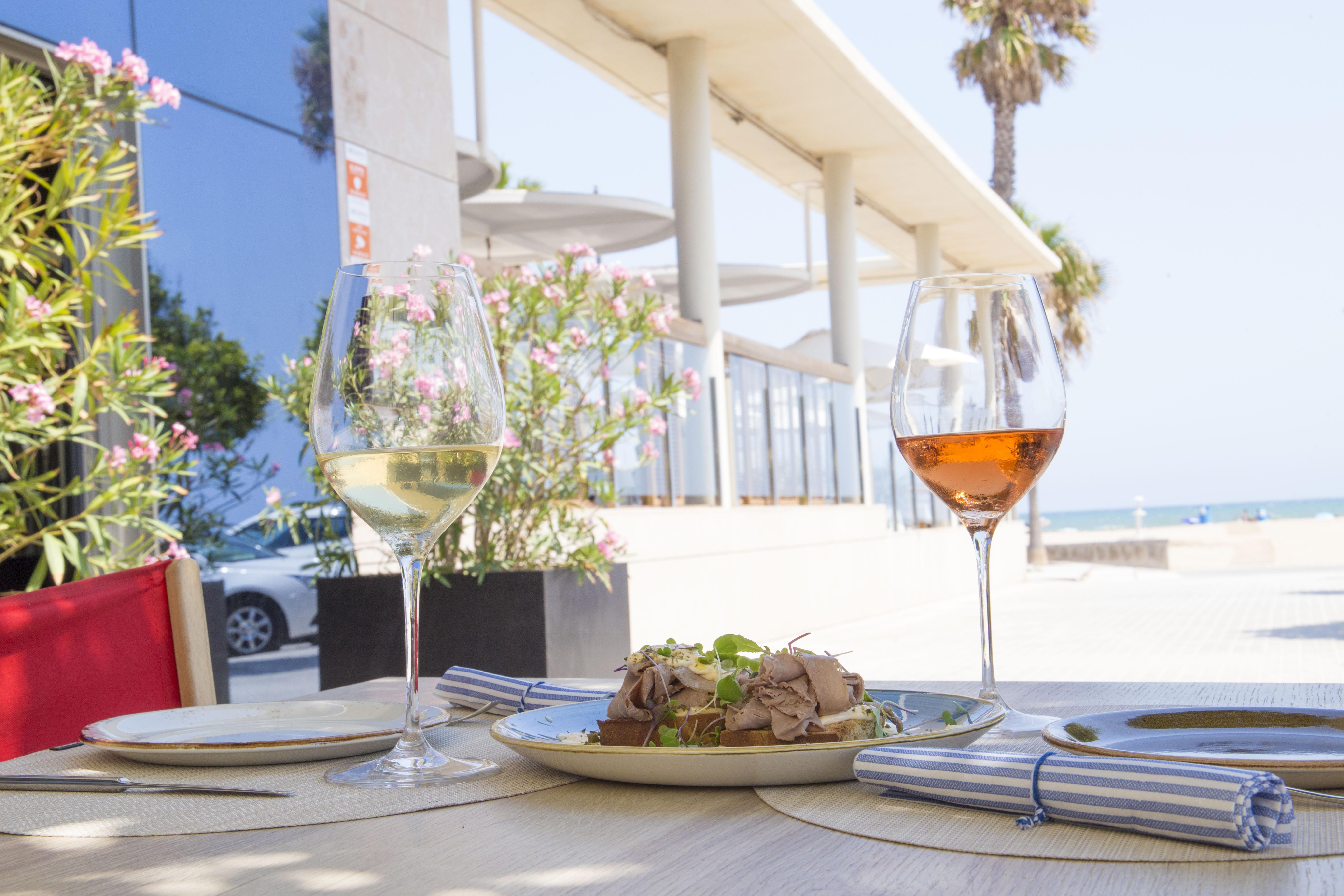 Los restaurantes a pie de playa para despedir el verano
