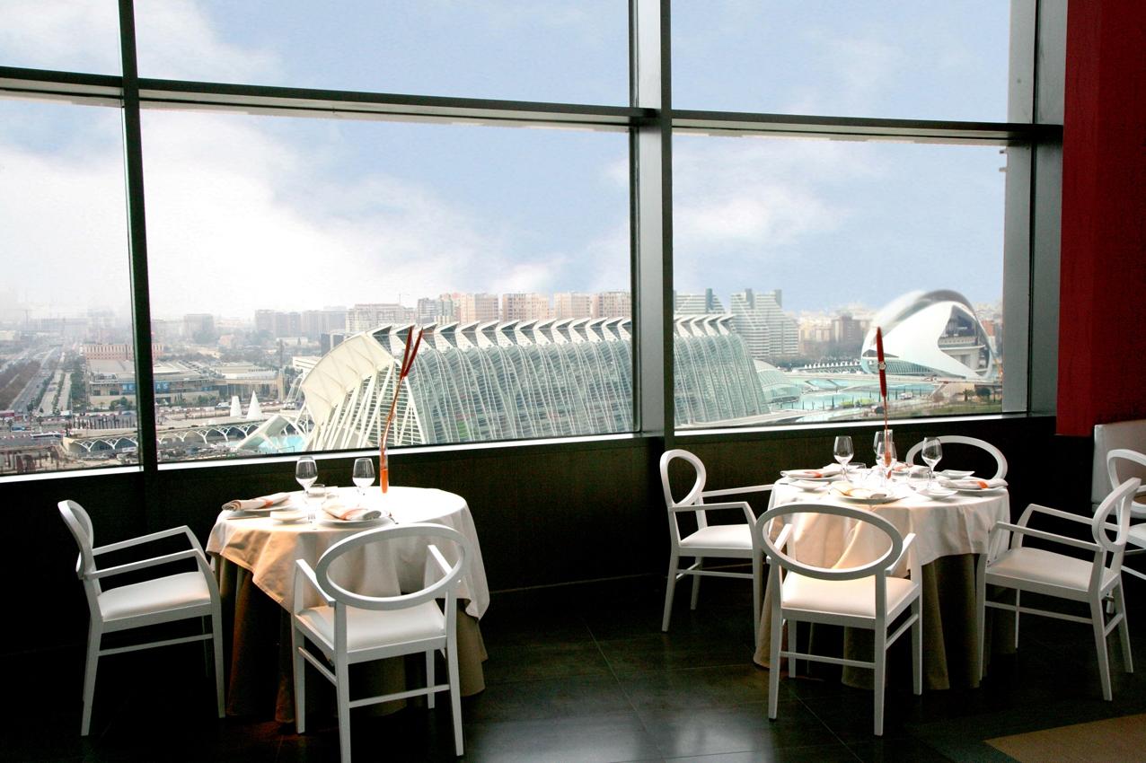 Vive la auténtica experiencia gastronómica de lujo en restaurante Vertical