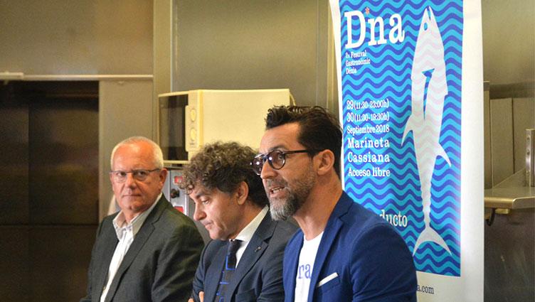 el-alcalde-de-Dénia,-Vicent-Grimalt,-el-secretario-autonómico-de-Turismo,-Francesc-Colomer-y-el-chef-Quique-Dacosta.