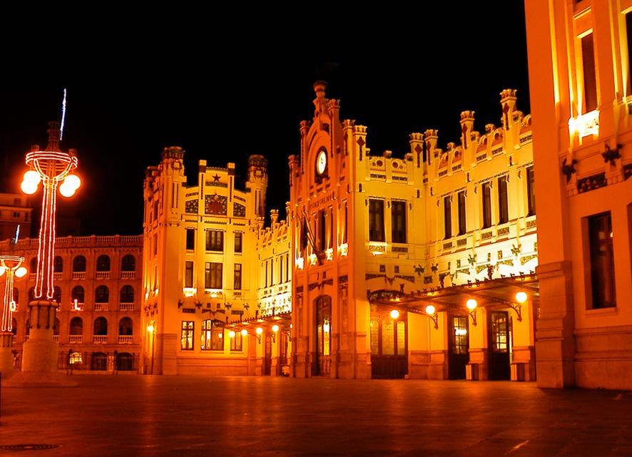 ¿Qué hacemos este fin de semana en Valencia? Música en La Fábrica de Hielo y visita nocturna