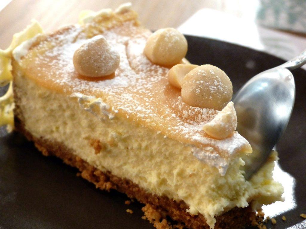 ma-khin-cafe-cheesecake